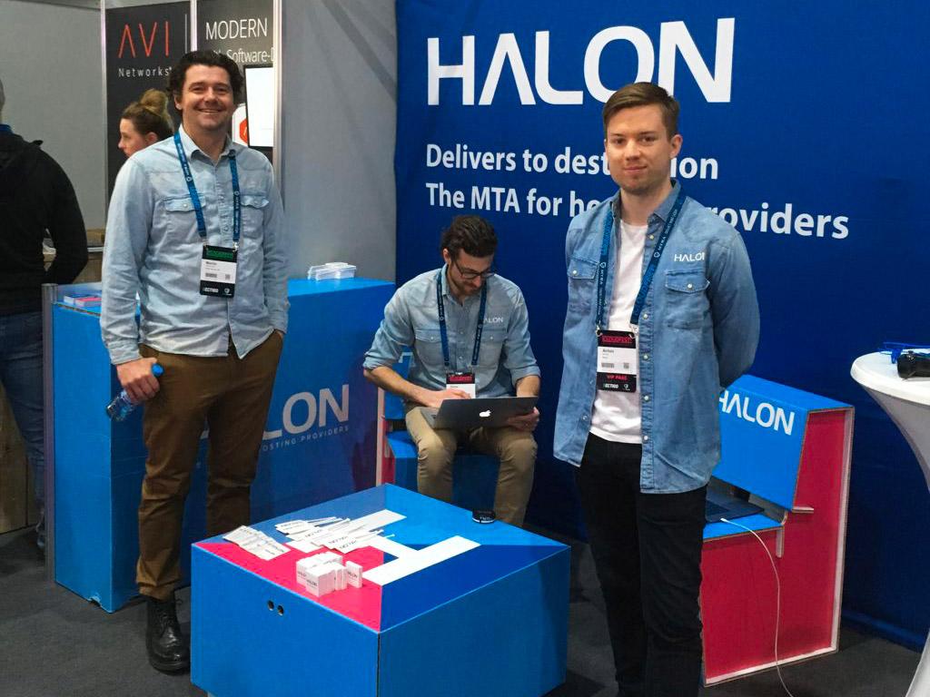 Team di Halon al Cloudfest 2019 | ANSWER
